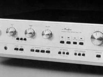Accuphase E-204