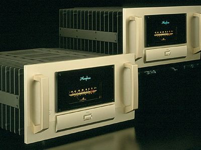 Accuphase M-8000